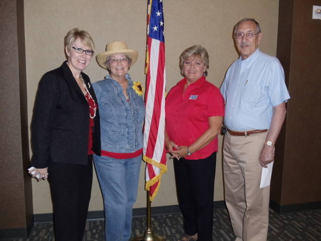Rotarians support USO reading program