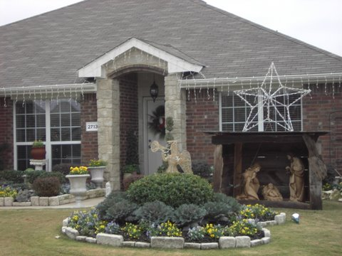 Royse City's Yard of the Month has Christmas spirit