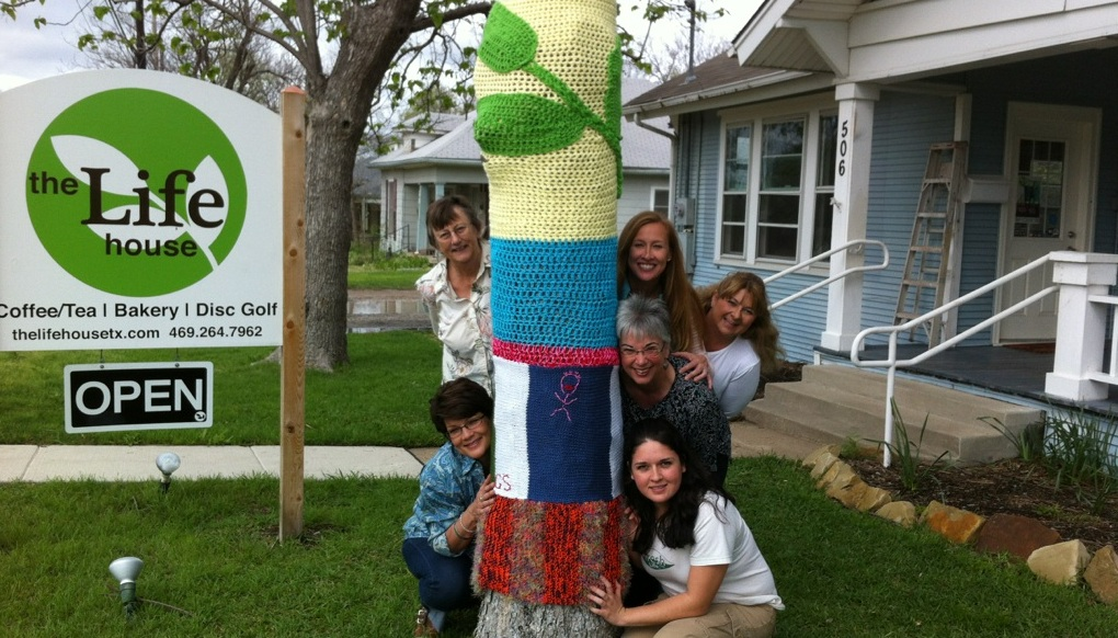 'Yarn bomb' is big hit at The Life House