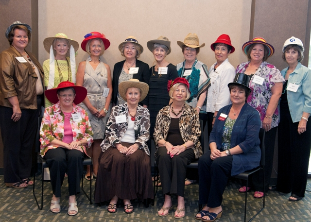 Friends of Library inducts new board members