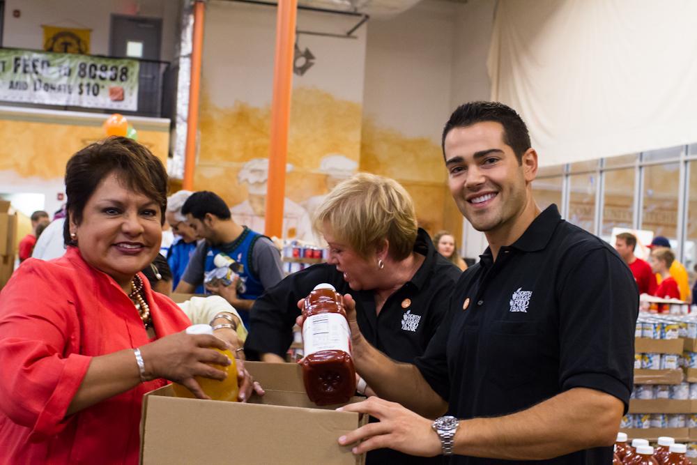 North Texas Food Bank kicks off Hunger Action Month