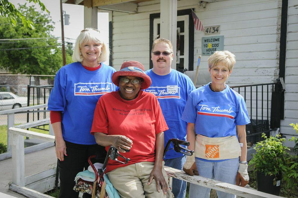 Volunteers Unite To Help Veterans Elderly On National