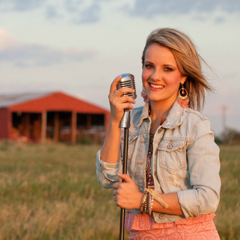 Rockwall's Amber Carrington to perform at Equest fall fundraiser
