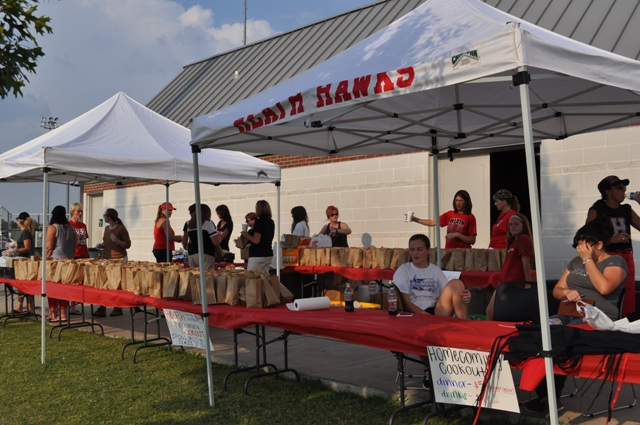 Heath Class of 2014 thanks Homecoming Cookout sponsors