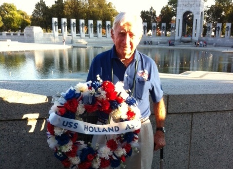 Rockwall veteran visits WWII Memorial on Honor Flight