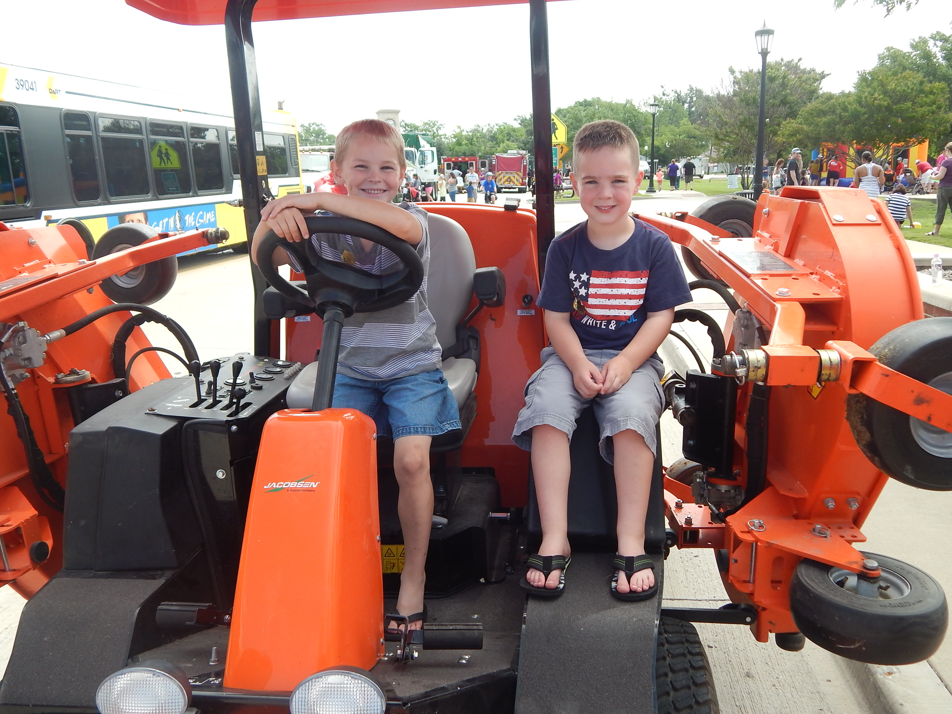 "Rowlett Memorial event to feature ""Touch-a-Truck"""