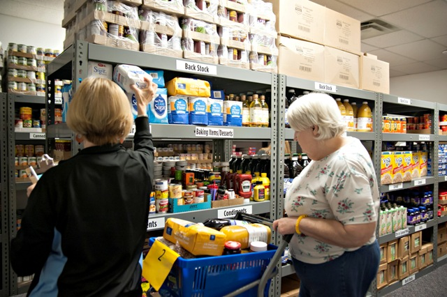 Lake Pointe offers 'Choice Day' for residents needing food assistance
