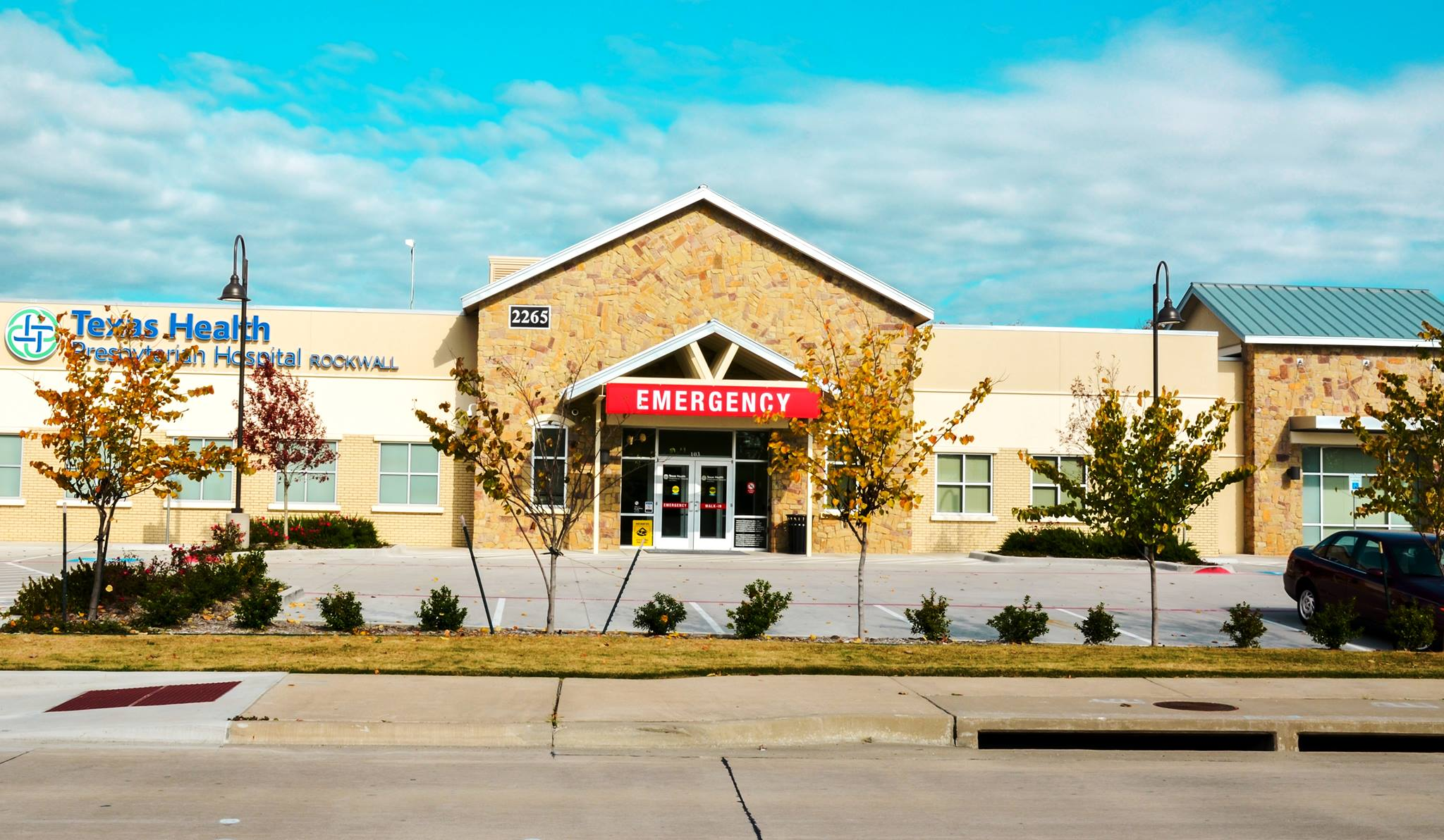 In addition to the emergency room at Texas Health Presbyterian Hospital Rockwall's main campus on Horizon Road, there is this emergency room in North Rockwall at 2265 North Lakeshore Drive off SH 205. Both provide a full range of services and treat the same conditions.