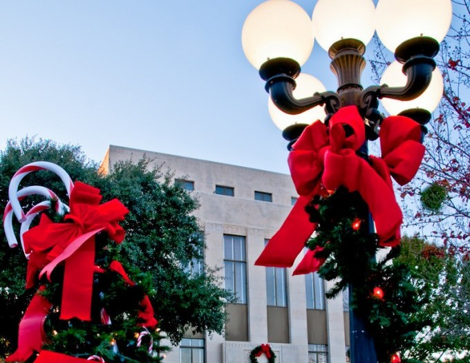 Rockwall's Hometown Christmas Celebration includes parade, tree lighting, downtown festivities