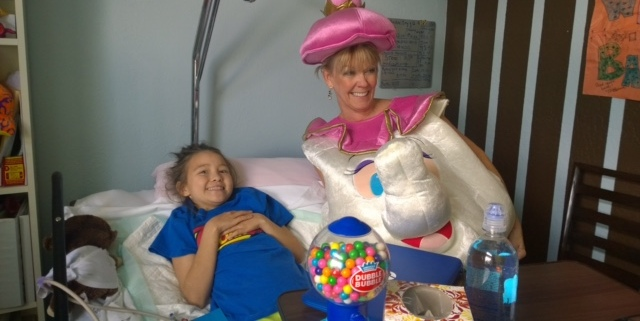 Williams MS student Luna Martell gets fairytale visit from 'Mrs Potts'