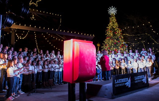Record Crowd For Heath Holiday In The Park Blue Ribbon News