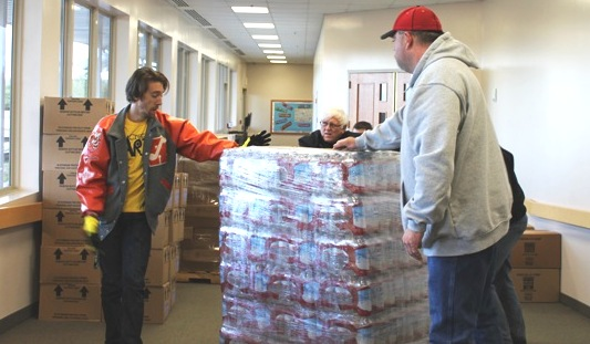 Hundreds of volunteers from Eastridge Church of Christ offer hope, help in crisis