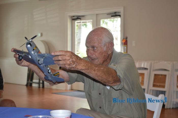 WWII veteran treats Rockwall Kiwanis Club to captivating war stories