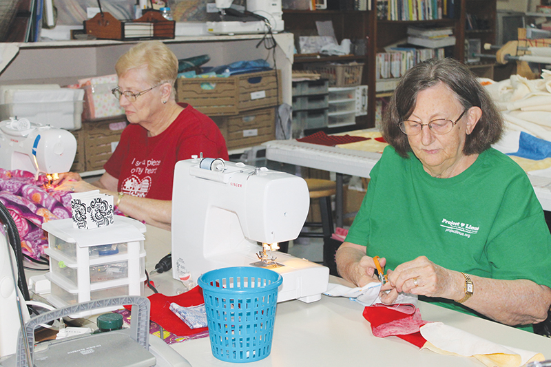 Project Linus blanketeers sewing blankets
