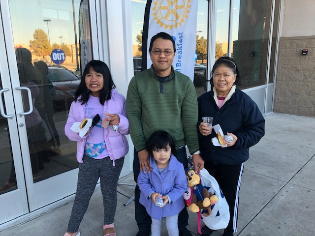 Rockwall Breakfast Rotary, Old Navy Team Up to Provide Winter Coats to Kids