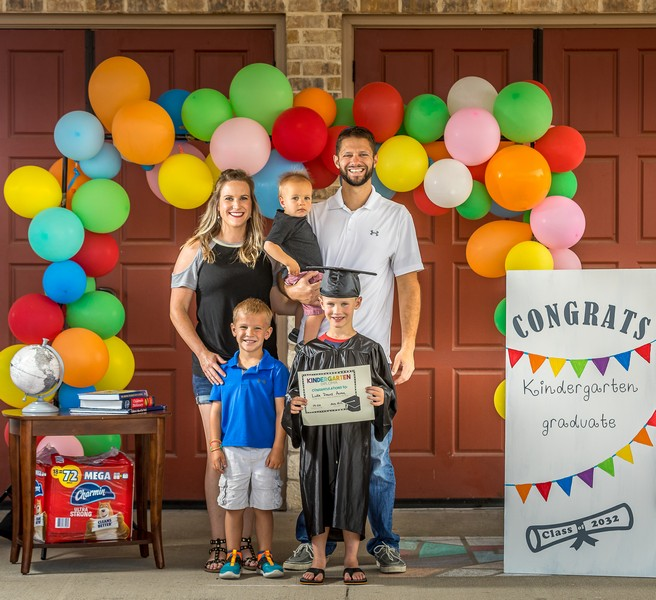 Rockwall family hosts drive thru graduation for kindergartners
