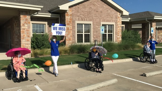 Banner day at Highland Meadows in Rockwall as residents enjoy car parade