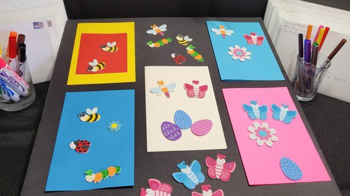 ArtReach students create 'eggs'-tra fun Easter cards