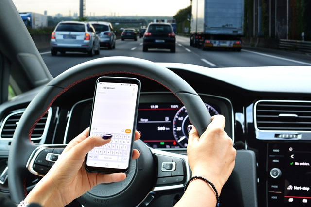Distracted driving continues to plague Texas roadways