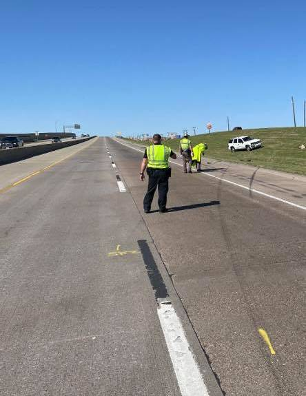 Royse City police officer struck by vehicle while helping stranded motorist