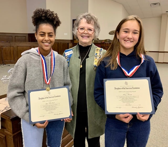 Daughters of the American Revolution present Citizenship Awards to Rockwall County students